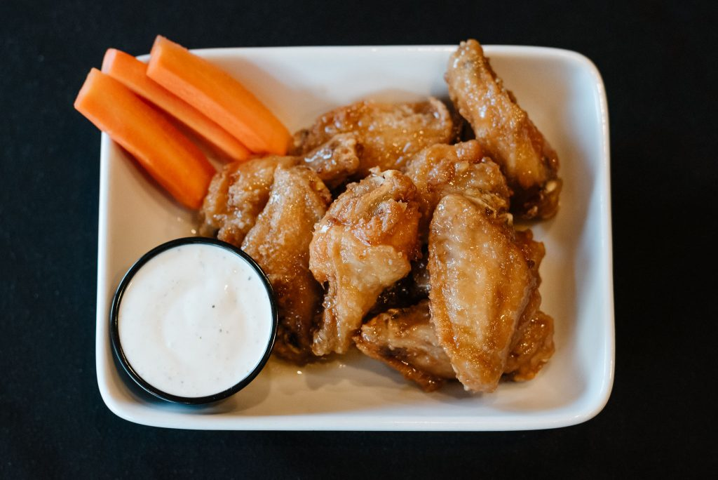 Pub style chicken wings, Sicamous Pubs, Moose Mulligans, Restaurant in Sicamous