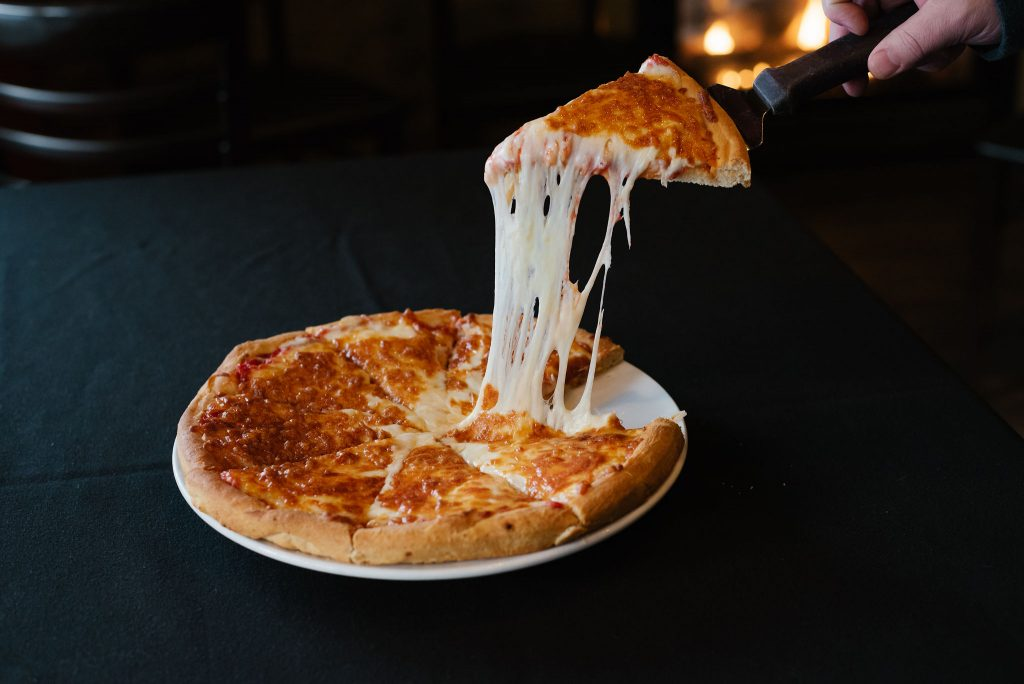 Best Pizza in Sicamous, Sicamous Pizza, Moose Mulligans