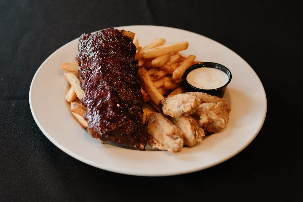 BBQ Ribs, Sicamous Pubs, Moose Mulligans, Sicamous BC